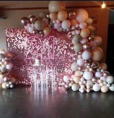21st Party, Gold Birthday Party, Birthday Party For Teens, Birthday Brunch, Birthday Party Themes, Birthday Balloon Decorations, Birthday Balloons, 21st Bday Ideas, Balloons Galore