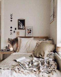 50 Small Bedroom Ideas to Get a Spacious Look #smallbedroomideas #smallbedroomdecor #smallbedroom » Photozzle.com