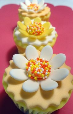 Edible Flower Cupcake Toppers Yellow & White by SugarCakeShop, $15.75