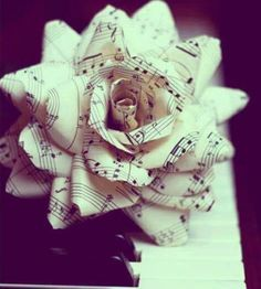 "** site does not work** idea for oragami flower made of music notes for julie or mom's piano studio- I'm sure I could find another pattern for origami. Would be beautiful in a vase with a few ""musical roses""! Music Stuff, My Music, Piano Music, Piano Keys, Music Life, Music Heart, Sheet Music Crafts, Music Paper, Paper Art"