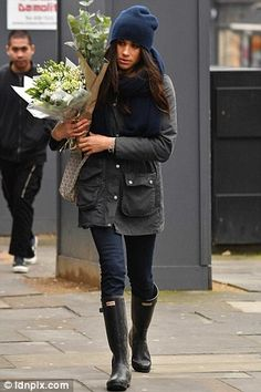 The pictures of Harry's love buying flowers in Kensington were not the only ones to emerge yesterday — the brunette beauty has given fans an insight into the way she lives back at home.