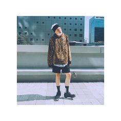 Twitter Korean Group, Yg Entertainment, Raincoat, Boys, Instagram Posts, Jackets, Kpop, Twitter, Fashion