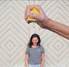 Fun Self Portrait Ideas- Forced perspective Lemon Squeeze shower - Optische täuschung fotos - Fotografie Creative Portrait Photography, Photoshop Photography, Life Photography, Amazing Photography, Photography Aesthetic, Photography Tutorials, Digital Photography, Advanced Photography, Friend Photography