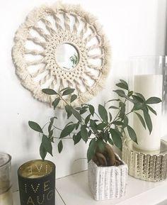 Le chouchou de ma boutique https://www.etsy.com/fr/listing/537872287/miroir-rosace-en-macrame-macrame-wall