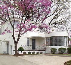 Tulsa, Oklahoma - Residence at 3231 South Utica Avenue. Art Deco Stil, Art Deco Home, Art Deco Era, Contemporary Architecture, Architecture Design, Bauhaus, Tulsa Time, Streamline Moderne, Art Deco Buildings