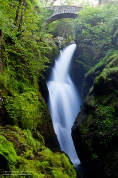 Photographing Waterfalls: 6 Tips To Get You Started