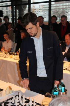 noticias - Simultáneas de Magnus Carlsen en Hamburgo | chess24.com