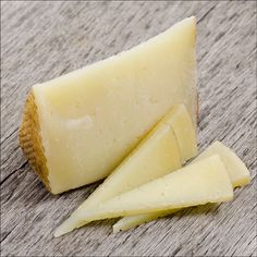 Similar to Manchego but crafted exclusively in the province of Zamora from the native Churra sheep. Aged to a slight dryness with a distinctly nutty tone and sweet grassy finish. Zamorano is a wonderful pairing with cured meats, fruits, vegetables. #pastoralartisan #pastoralchicago #artisan #artisancheese #cheeseplease #cheese #foodie