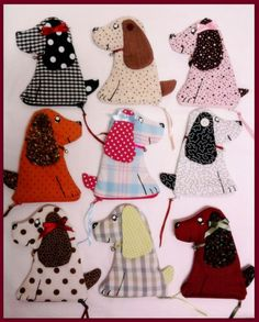 Porta-Níquel de Cachorrinho! Dog Quilts, Scrappy Quilts, Dog Crafts, Felt Crafts, Small Sewing Projects, Sewing Crafts, Fidget Quilt, Key Covers, Animal Projects