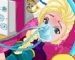 Em Frozen Elsa com Virose, Elsa acordou se sentindo mal com muitas dores de estomago. Ela foi ao médico e descobriu que está com virose, ela está com a barriga cheia de vírus. Por isso ela precisa de seus cuidados. Cuide para que Elsa fique curada logo. E depois, faça uma linda maquiagem e escolha um lindo look para que Elsa mostre que já está curada. Divirta-se com Elsa!