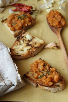 la cuoca eclettica: Bruschette con crema di fagioli cannellini