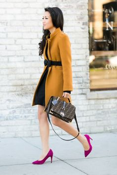 YES! Need that Burberry belt with the bow! Love the pop color pump and the entire outfit