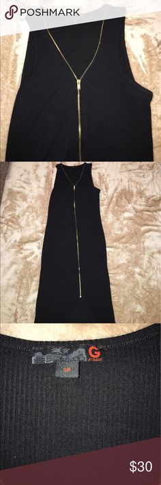 GUESS dress GUESS black stretchy zip up dress. Under the zipper there is a slit that give leg room. Guess Dresses Asymmetrical