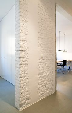 Photo by iñaki iglesias Room Partition Designs, Interior Design Photography, Okayama, Exposed Brick Walls, Basement Makeover, Brickwork, Farmhouse Style Decorating, Living Area, Furniture Design