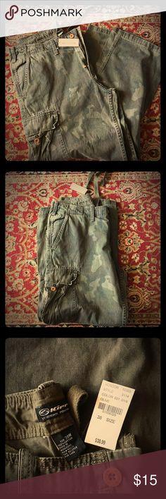 Green Camo Cargo Pants NWT PAC SUN Camo Cargo Pants Size 38 Kirra Pants Cargo