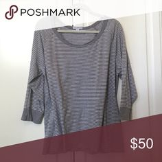 JAMES PERSE TOP Super comfy casual top. In good condition. 100% cotton. James Perse Tops Tees - Long Sleeve