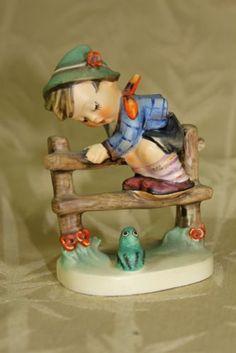 Authentic Hummel Goebel Figurine #201 2/0 TMK 3 Retreat to Safety