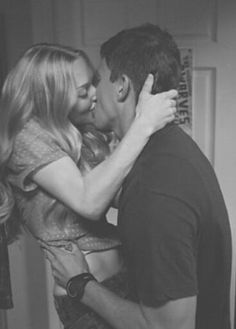 Romance - Find all romantic inspirations on We Heart It Querido John, Cute Couples Goals, Couple Goals, Dear Jhon, Amanda Seyfried Tumblr, Channing Tatum Dear John, Dear John Movie, Chaning Tatum, Nicholas Sparks Movies