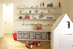 I would label the bins but this is really nice for those toys with lots of loose pieces