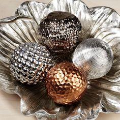 Montesilvano Metallic Decorative Orb Set
