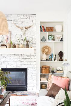 This Eclectic home tour is simply inspirational! Love how she uses bright and bold colors mixing with patterns and textures! Amazing!