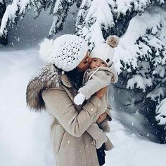 Imagine baby, winter, and christmas Baby In Snow, Baby Winter, Mom And Baby, Baby Kids, Cute Kids, Cute Babies, Lace Dream Catchers, Snow Pictures, Winter Baby Pictures