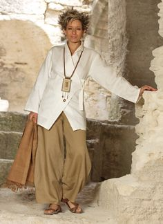 AMALTHEE CREATIONS - Thick ecru linen breasted jacket 'Kimo' with havana linen trousers.   Long linen pendant necklace with ethnic beads from Africa on leather cord   Just gorgeous!