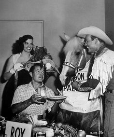 Jane Russel, Bob Hope, Trigger, and Roy Rogers! Dale Evans, Cinema Tv, Jane Russell, Cheryl Ladd, Celebrities Then And Now, Bob Hope, Gentlemen Prefer Blondes, Classic Actresses, Classic Movies