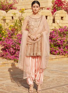 Shop salwar suits online for ladies from BIBA, W & more. Explore a range of anarkali, punjabi suits for party or for work. Indian Suits Punjabi, Punjabi Suits Party Wear, Indian Attire, Indian Outfits, Indian Wear, Wedding Dresses For Girls, Party Wear Dresses, Wedding Suits, Patiala Dress