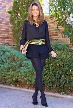 Fashion and Style Blog / Blog de Moda . Post: My big passion... the accessories! / Mi gran pasión...los complementos! .More pictures on/ Más fotos en : http://www.ohmylooks.com/?p=20667 .Llevo/ I wear Necklace, belt and bag : Cordón de seda ; Skirt-pants : Zara (old) ; Shoes : Pilar Burgos (New collection)