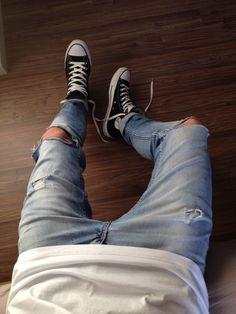 classic ripped jeans / all stars #mensjeansripped