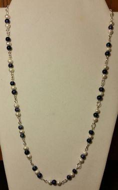 Handgefertigte Perlen Collier mit dunkel blaue Murmel und Silber vergoldet Stardust auf eine elegante Eyepin-Kette, dezenten Eleganz Modeschmuck