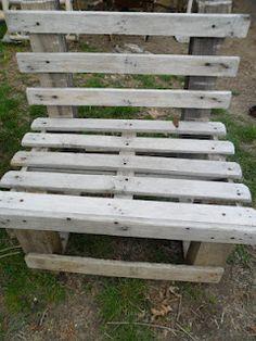 Costruire sedie e panchine da giardino con i pallet