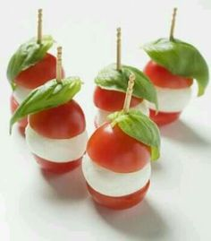 Canapes: tomato mozarella cheese and fresh basil or could replace mozzarella with boccocini cheese Party Canapes, Wedding Canapes, Snacks Für Party, Canapes Ideas, Wedding Appetizers, Food Buffet, Food Platters, Appetisers, Food Presentation
