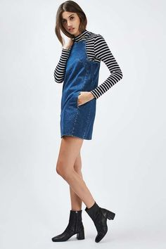 Keep it laid-back and feminine in the MOTO denim square neck mini dress.