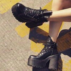 Women's Punk Ankle Riding Boots High Chunky Heel Platform Lace Up Shoes Chic Black Chunky Heels, Chunky Heel Shoes, Black Suede Boots, Lace Up Ankle Boots, High Heel Boots, Lace Up Shoes, Punk Fashion, Fashion Boots, Punk Shoes