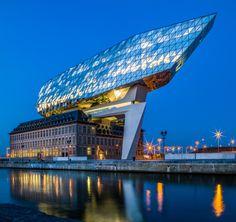 Dit weekend opent het Havenhuis aan de Antwerpse haven officieel de deuren voor het grote publiek. In Antwerpen zijn de meningen over het nieuwe opvallende...