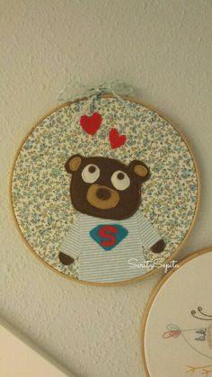Sweet bear in my wall. Embroidery Art, Hoop, Sweet, Wall, Frames, Fabrics, Candy, Hula Hoop