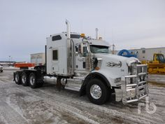 2014 KENWORTH T800 Sleeper Truck Tractor (Tri/A) Lot #86 | Ritchie Bros. Auctioneers