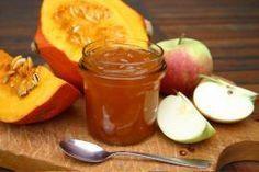 Kochen Sie aus Kürbis und Äpfeln eine leckere Marmelade. Anstelle der Äpfel können Sie auch Birnen verwenden.