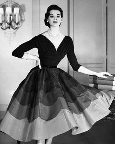 Nelly de Grab, 1954 #NellydeGrab #50sfashion #vintagefashion
