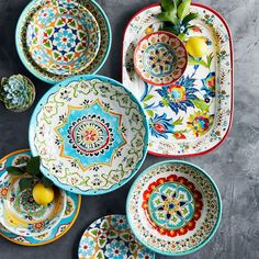 Head outside. ☀️ Our durable outdoor dining collections were made for summer meals. We've taken our iconic designs, like colorful Iznik, and rendered them in sturdy BPA-free melamine dinnerware. Shop link in bio. Pottery Painting, Ceramic Painting, Pottery Clay, Blue Pottery, Pottery Studio, Ceramic Art, Outdoor Dinnerware, Keramik Design, Sugar Scrub Diy