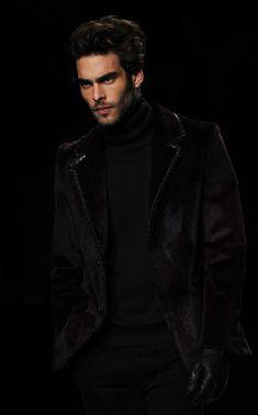 Jon all in black - perfection.