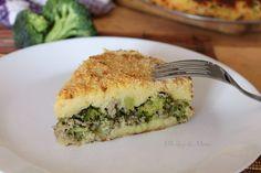 Torta di broccoli salsiccia e patate, dopo aver assaggiato la prima fetta ne vorrete subito un'altra. Un piatto unico completo ideale per la stagione fredda