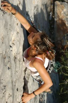 The rapid growth of climbing as a sport , has its benefits Climbing Girl, Ice Climbing, Sport Climbing, Catherine Destivelle, Monte Everest, Parkour, Mountaineering, Athletic Women, Climbers