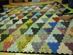 Patchwork Quilt with some Fussy Cut Hexagons  That's a lot of work! Description from pinterest.com. I searched for this on bing.com/images