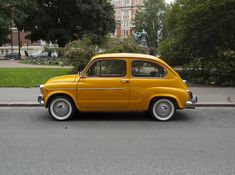 Love this Yellow Fiat 600