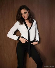 Gal Gadot in Collection Automne-Hiver Gal Gadot Photo GAL GADOT PHOTO : PHOTO / CONTENTS  FROM  PINTEREST.NZ #WALLPAPER #EDUCRATSWEB
