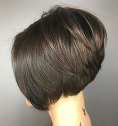 70 Cute and Easy-To-Style Short Layered Hairstyles Slick Stacked Brunette Bob Inverted Bob Hairstyles, Short Layered Haircuts, Cool Hairstyles, Layered Hairstyles, Pixie Haircuts, Medium Hairstyles, A Line Haircut Short, Stacked Bob Haircuts, Reverse Bob Haircut