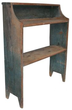 omg, do i loooove these old bucket benches to decorate with!!! and of course, the old blue paint/stain!!!!! #Primitivefurniture